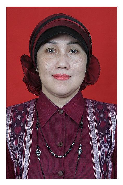 Dra. Therecia Hastutiningsih, M.Pd